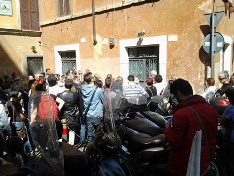 06 via Rasella il palazzo con i segni delle mitraglia
