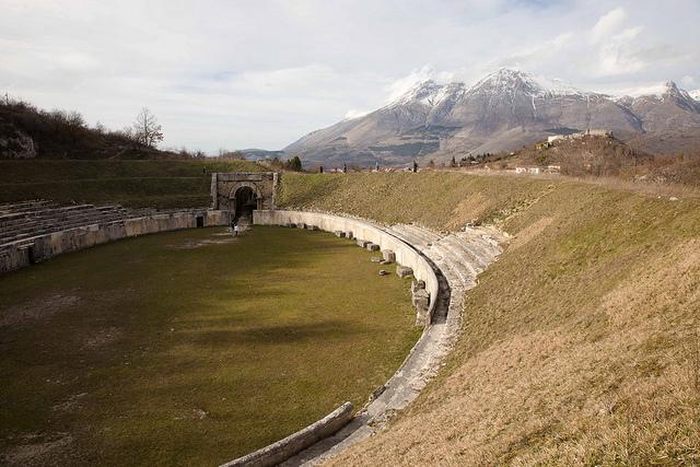L'anfiteatro di Alba Fucens