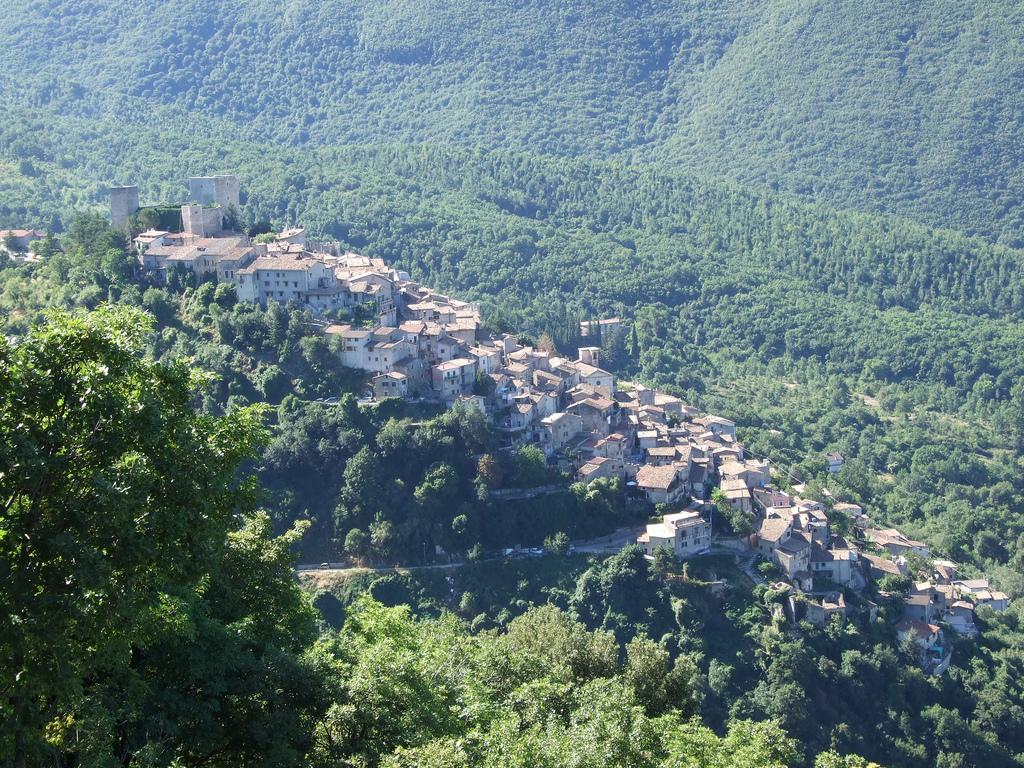 Pereto (AQ), Comune appartenente all'Associazione Borghi Autentici d'Italia